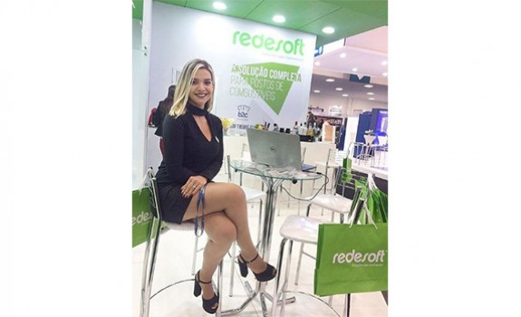 Tess Models | Recepcionista | Feira